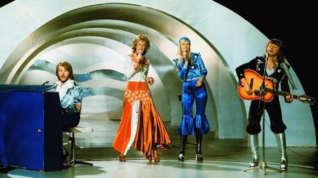 """После победы на конкурсе Евровидения в Англии в апреле 1974 года с песней """"Ватерлоо"""" (Waterloo), группа завоевала мировой успех."""