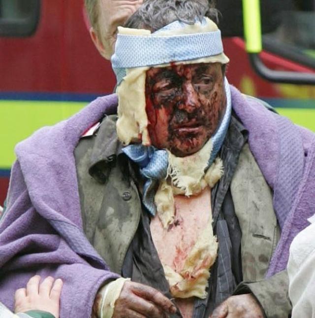 Кроме того, это событие иногда считают первым терактом, осуществлённый смертниками в Западной Европе.