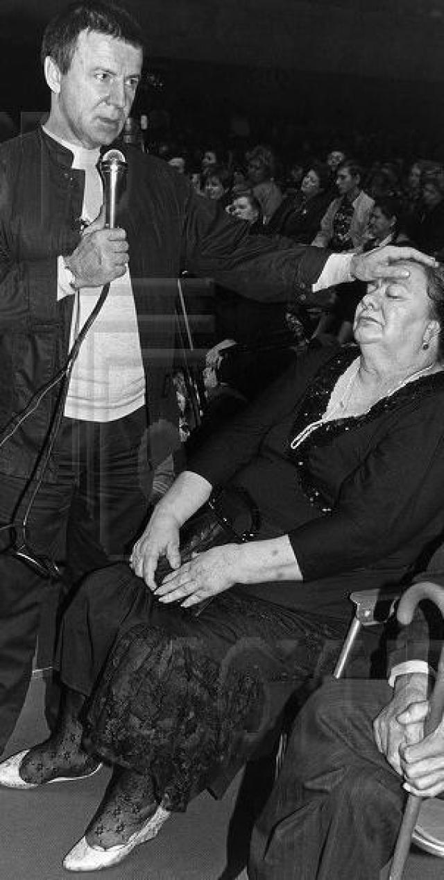 Во времена правления Горбачева власть пыталась конфисковать и ее дачу, машину и другие подарки отца, но Галина сумела выиграть судебный процесс против государства.