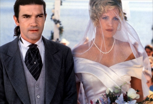 """Роман между Антонио и Мелани вспыхнул на съемках фильма """"Двое - это слишком"""" в 1995 году. Их брак продлился вплоть до конца 2015 года."""