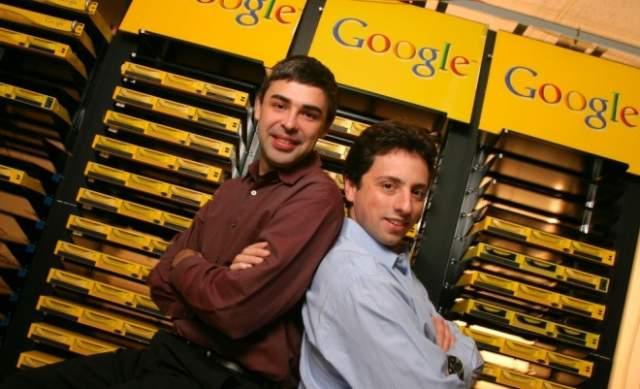 """А чуть позже в 1997 году ее основатели - Ларри Пэйдж и Сергей Брин - решили поменять название. Мозговой штурм проходил в общежитии Стэнфорда среди студентов, которые пытались придумать название для системы способной обрабатывать колоссальные объемы информации. Тогда Ларри Пэйджу пришла в голову идея назвать систему """"googol"""" — число со 100 нулями, среди студентов оно означало просто """"невообразимо много""""."""