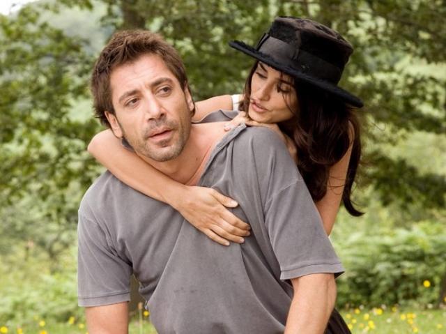 """Хавьер Бардем и Пенелопа Крус. Пара не раз пересекалась на съемочных площадках, однако переломным моментом в их жизни стал фильм """"Вики Кристина Барселона""""."""