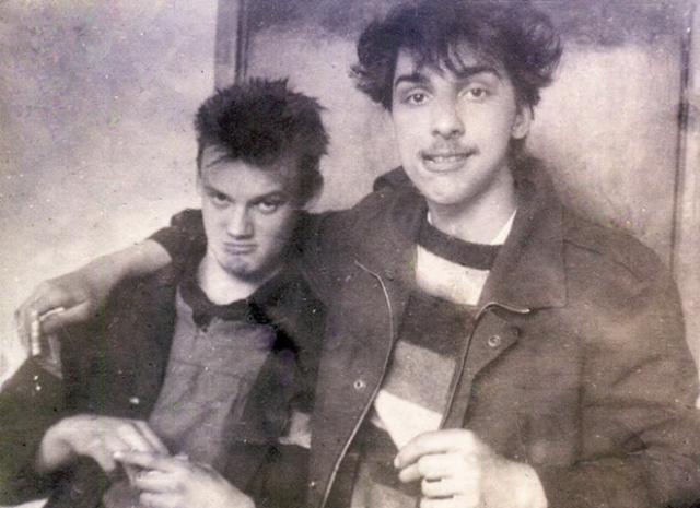 """""""Король и шут"""" - группа была образована в Ленинграде в 1988 году, когда Михаил Горшенев познакомился с Андреем """"Князем"""" Князевым."""