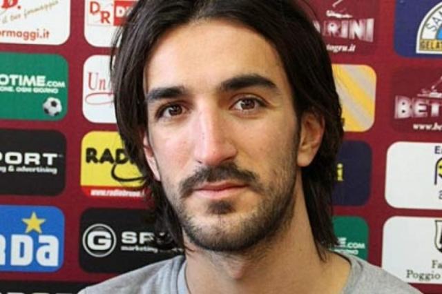 """Пьермарио Морозини (футболист, 25 лет). Итальянский полузащитник 14 апреля 2012 года в выездном матче на стадионе """"Адриатико"""" в первом тайме на 31 минуте игры потерял сознание, упал на газон и не смог встать самостоятельно."""