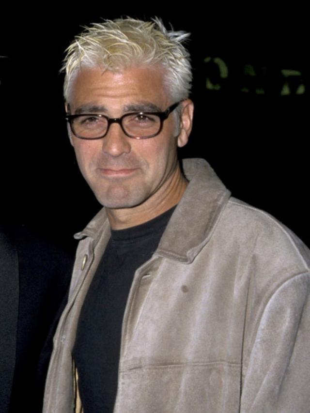 Джордж Клуни. Эксперименты актера с пергидролью явно оказались провальными.