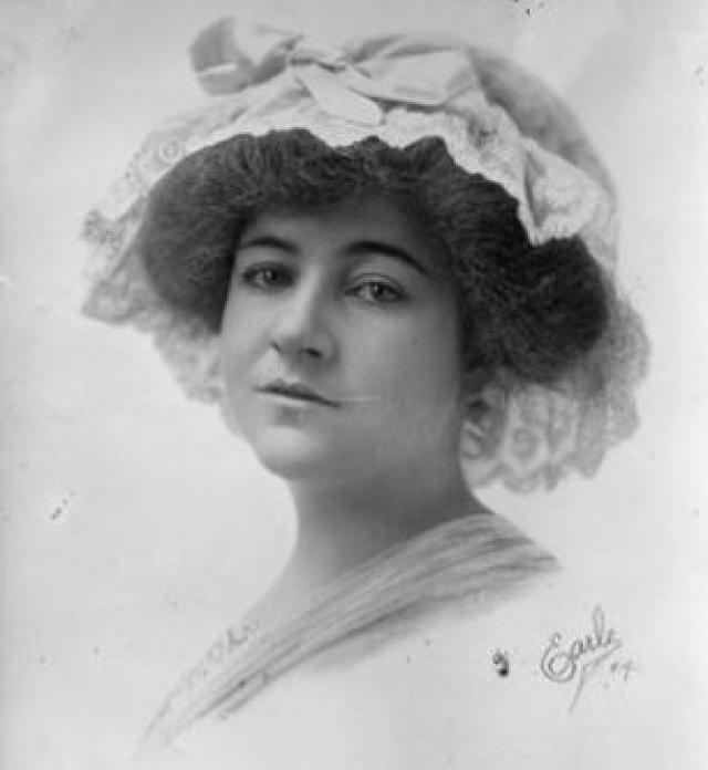 Дороти Арнольд. Исчезновение американской светской львицы и наследницы парфюмерной компании вызвало множество споров и слухов в американском обществе и стало одним из самых таинственных в истории США.