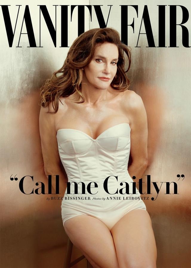 """Vanity Fair, июль 2015. На обложке размещено фото трансгендера Криса Дженнера с подписью """"Называйте меня Кейтлин""""."""