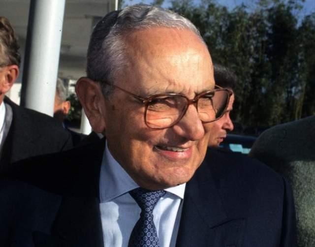 Микеле скончался в возрасте 89 лет в 2015 году.