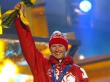 Двукратная олимпийская чемпионка избила новогодней елкой директора спортшколы своего имени