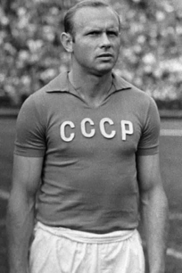 Тем не менее, отсидев пять лет, затем отбыв двухлетнюю дисквалификацию, Стрельцов вернулся в футбол, стал чемпионом и обладателем Кубка СССР и снова сыграл за сборную. Он умер в возрасте 53 лет и по-прежнему считается одним из популярнейших и любимых советских и постсоветских спортсменов.