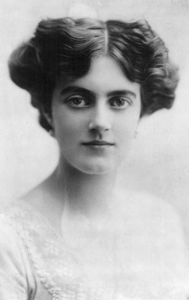 Клементина Черчилль. Женщина была женой и верной духовной соратницей деспотичного британского премьер-министра в течение более чем 50 лет.