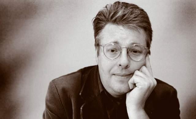 """Стиг Ларссон. Шведский писатель, автор """"Девушки с татуировкой дракона"""" и незаконченного цикла """"Миллениум"""", при жизни не знал, что такое слава. Всю жизнь он занимался журналистским трудом в стокгольмской газете."""