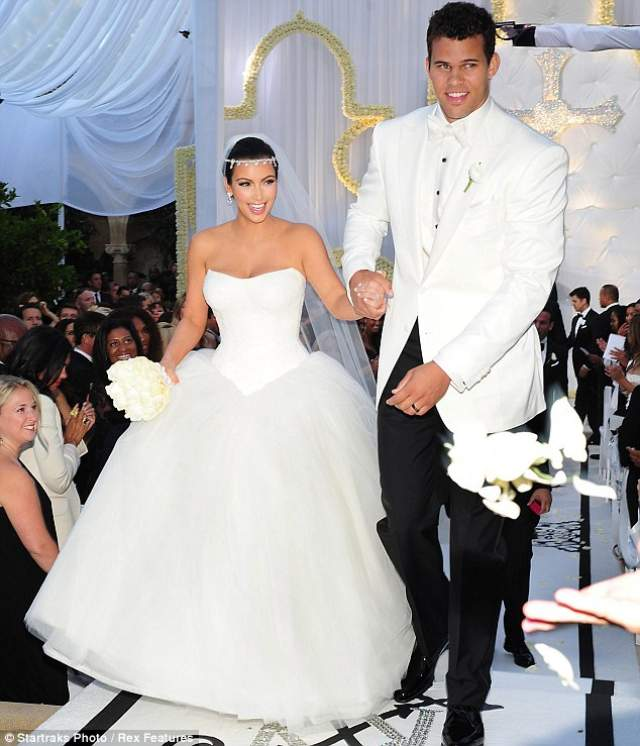 Ким Кардашьян и Крис Хамфрис ($10 млн). Роскошная церемония состоялась в 2011 году, при этом пара оказалась даже в плюсе, поскольку получила порядка $18 млн, продав права на свои свадебные фотографии.
