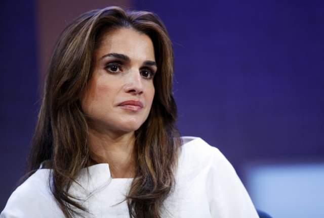 Рания Аль-Абдулла (Рания Файсал аль-Ясин). Жена Абдаллы II, короля Иордании. Родилась в простой семье, ее отец был врачом. Вместе с родителями бежала из Кувейта в Иорданию. Там хотела устроиться на работу в компанию Apple, но ей отказали.