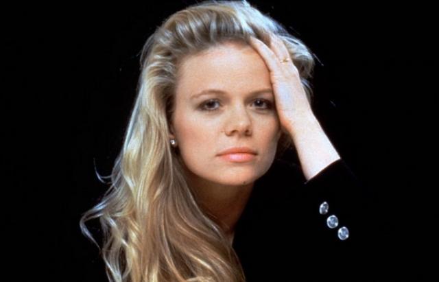 """Мэрси Уолкер. Иден Кэпвелл — старшая дочь СиСи. В """"Санта-Барбаре"""" она начала сниматься в 23 года. И с того времени вплоть до 2005 года играла в основном в дневных мыльных операх."""