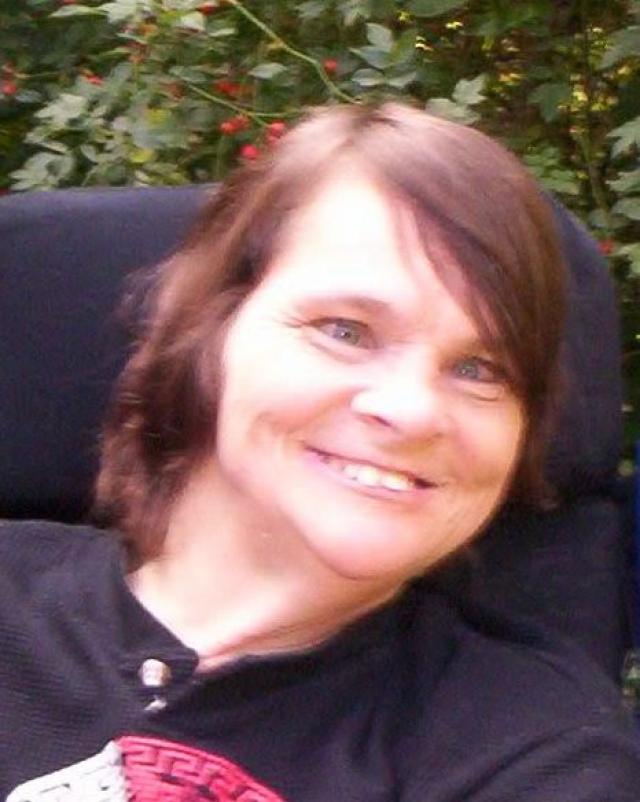 Родители отдали Анну в специальный приют для тяжелых инвалидов, где Анне не предоставили ни необходимого внимания, ни лечения.