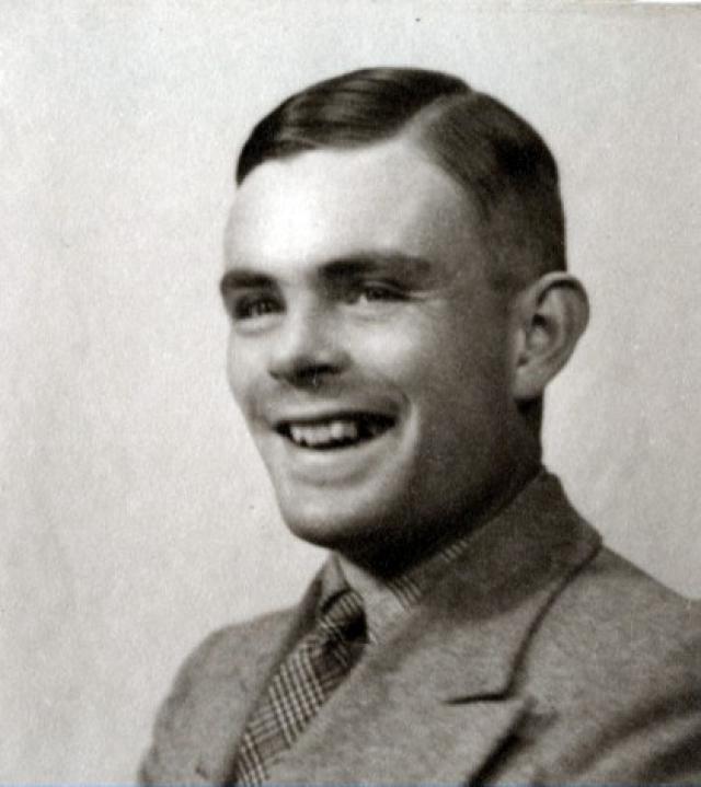 Алан Тьюринг. Один из отцов компьютерных технологий, чьи теоретические работы серьезно повлияли на развитие информатики был весьма эксцентричным человеком.