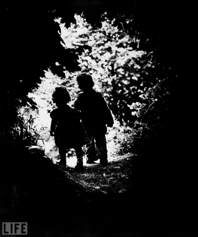 На свет (Into the Light, Eugene Smith, 1946).