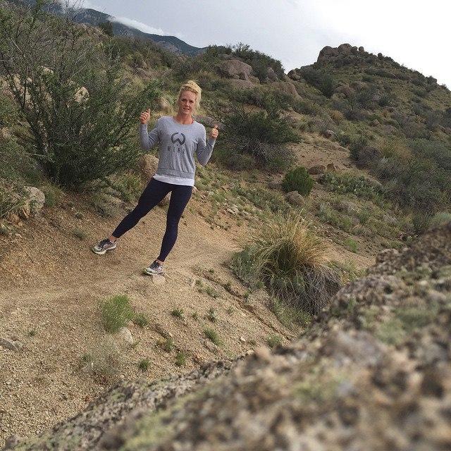 Свободное от тренировок и состязаний время Холли проводит как самая обычная девушка: катается бегает по утрам...
