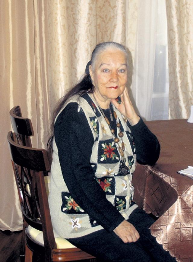 Завьялова не дожила два дня до восьмидесятилетия. Несмотря на возраст, актриса скончалась вовсе не из-за состояния здоровья. В ходе следствия выяснилось, что к гибели женщины причастен ее сын Петр, который расправился с матерью, будучи пьяным.