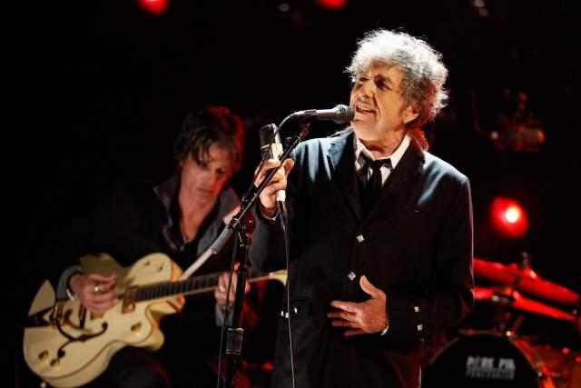 В итоге Дилан до сих пор с успехом гастролирует и записывает альбомы. На данный момент последний вышел в 2017 году.