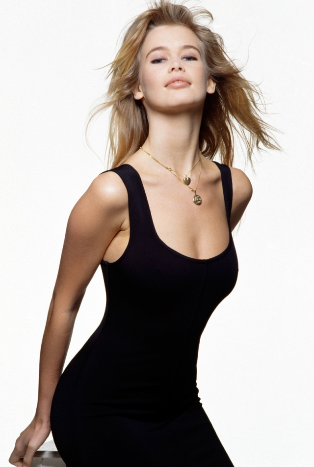 Клаудия Шиффер. Будущая звезда впервые была замечена в ночном клубе в 17 лет, после чего стала одной из самых фотографируемых моделей в мире, за свою карьеру появившись на обложках 700 журналов.
