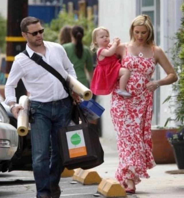 Сейчас актер продолжает сниматься в фильмах и сериалах, которые, в общем-то, не пользуются большой популярностью. Женился на гримерше Наоми Лоуд, у пары есть двое детей.