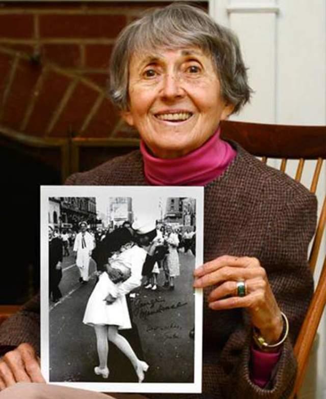 Тремя годами ранее, 8 сентября 2016-го, умерла Грета. Ей было 92 года.