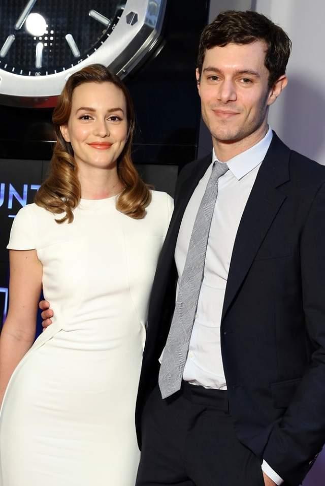 Сейчас у нее и как у актрисы, и как у женщины все в порядке. В 2014 году она вышла замуж за популярного актера Адама Броди и уже успела стать мамой.