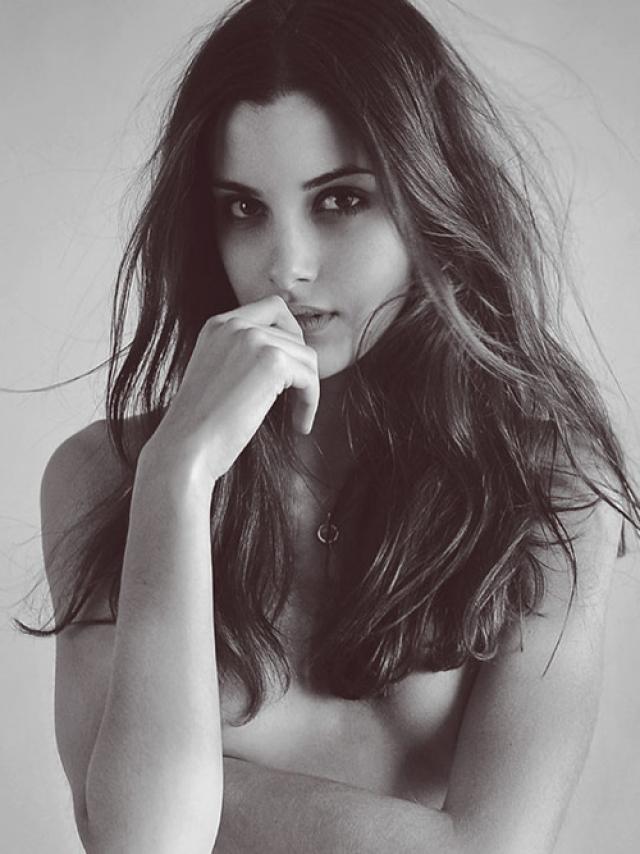 Соня Кински - опытная модель.