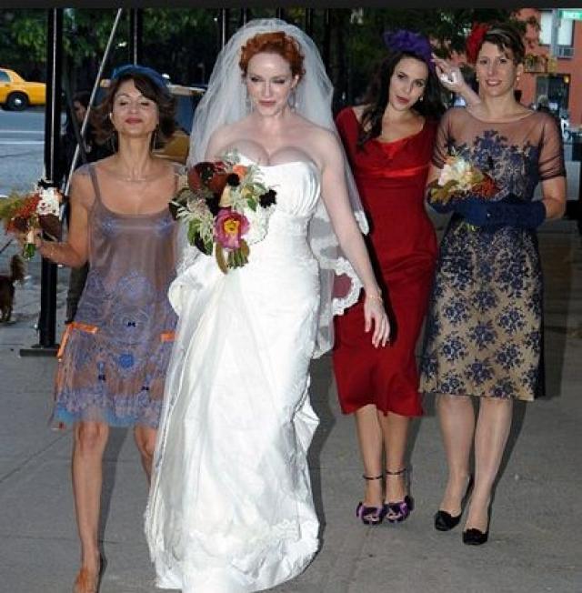 Кристина Хендрикс. Если спереди платье выглядело весьма стильно…