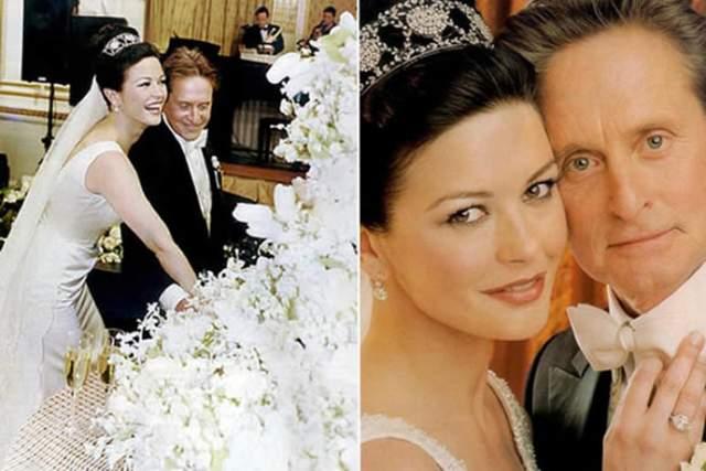Кэтрин Зета Джонс и Майкл Дуглас ($1,5 млн). На торжественную церемонию актриса надела платье с длинным шлейфом от Christian Lacroix за $140 000 и украшения Fred Leighton общей стоимостью $300 000.