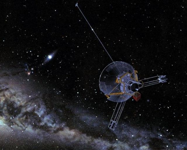 """Куда летят """"Пионеры"""". Межпланетные зонды Пионер 10 (запущен в 1972 году) и Пионер 11 (1973 год) стали первыми космическими аппаратами, запущенными так далеко."""