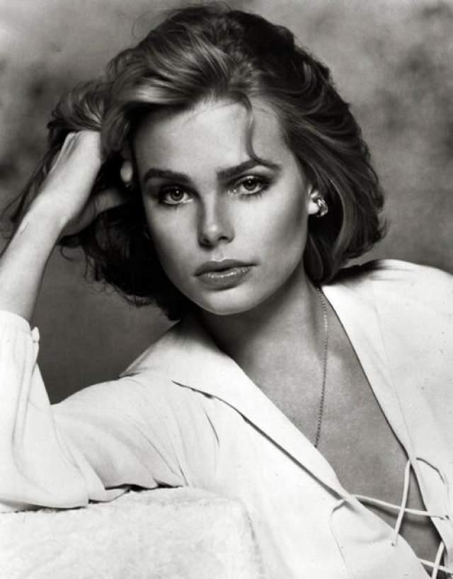 Внучка писателя Марго Хемингуэй, модель и актриса, также страдала от клинической депрессии и отравилась в 42 года.