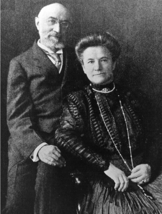 В первом классе путешествовал известный американский предприниматель Исидор Штраус с женой Идой. Штраусы были женаты уже 40 лет и никогда не расставались.