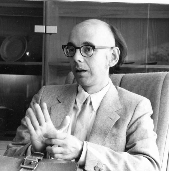 """Томас К. Дональдсон. Математик высказывал идеи о смерти, которые были еще более странными, чем крионика. Он полагал, что даже если люди """"мертвы"""", их мозг продолжает существовать, у нас просто нет технологии доступа к нему."""