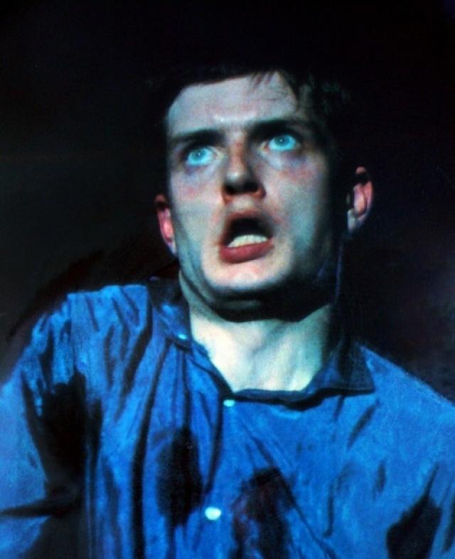 18 мая Кертис сделал петлю на веревке для сушки белья и повесился в своем доме в Маклсфилде, через несколько недель после первой попытки самоубийства.