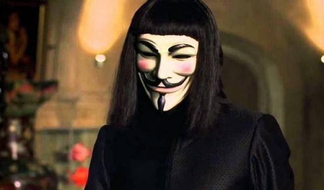 """""""V - значит вендетта"""". Маски из фильма стали популярным символом протестного движения в западных странах. В этом качестве они используются группой активистов """"Анонимус"""" и некоторыми участниками движения """"Захвати Уолл-стрит""""."""