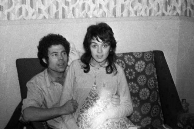 Муж Розмари, Фред, был ее сообщником. В 17 лет девушка забеременела от него и пара стала жить вместе.