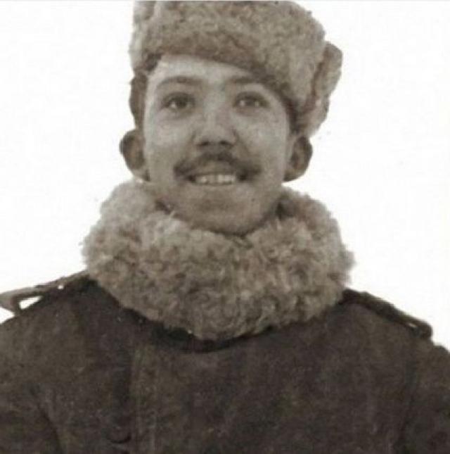 """В мае 1946 года, прослужив еще год после окончания войны, он вернулся домой. Был награжден медалями """"За отвагу"""", """"За оборону Ленинграда"""", """"За победу над Германией""""."""