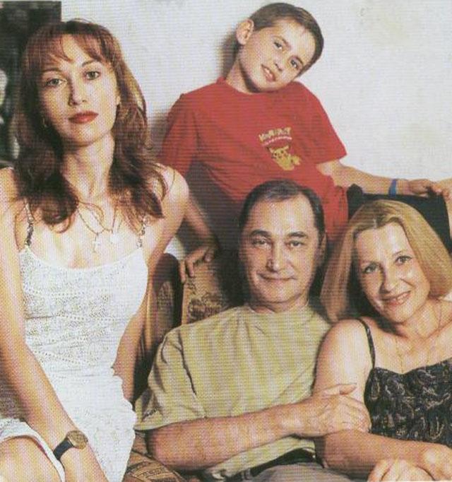 Актер женат с 1961 года на актрисе Алле Константиновой, дочь - актриса Ирина Коренева, внук - Егор Коренев.