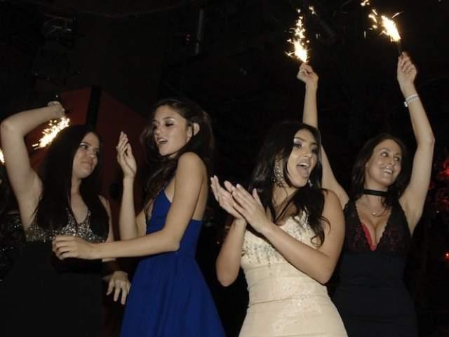 Ким Кардашьян на вечеринке TAO's First Princess Party в ночном клубе TAO.