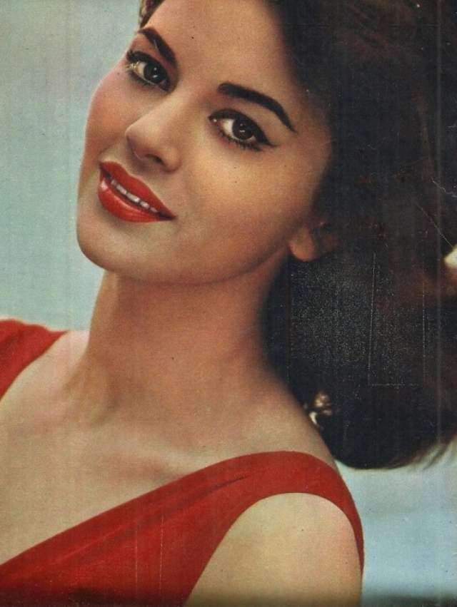Джованна Ралли Итальянская, киноактриса, популярная в 60-е годы.