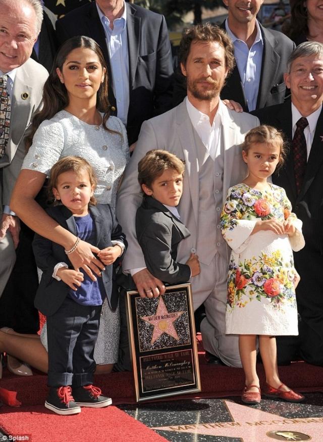 Сейчас в семье Макконехи трое детей: сыновья Леви и Ливингстон и дочь Вида.
