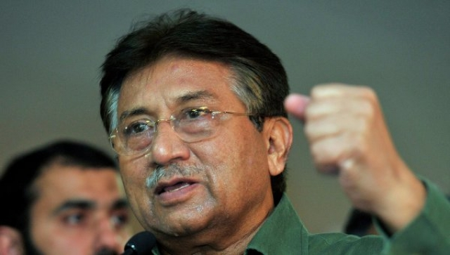 Однако в августе 2013 года именно экс-президенту было предъявлено обвинение в убийстве. Сейчас бывший политик находится в Пакистане под арестом.