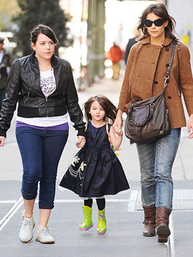 Кстати, актрисе это далось легко. Несмотря на развод, хорошие отношения между детьми Тома и Кэти сохранились.
