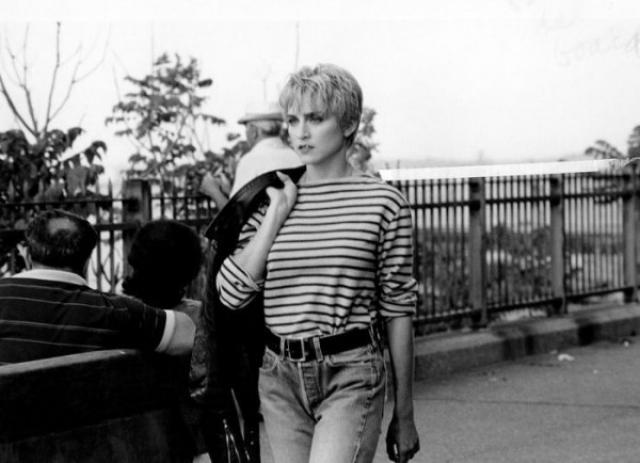 Мадонна. Хотя стиль певицы всегда был провокационным, в 80-е сложно было сказать, что ее будут считать поп-дивой.