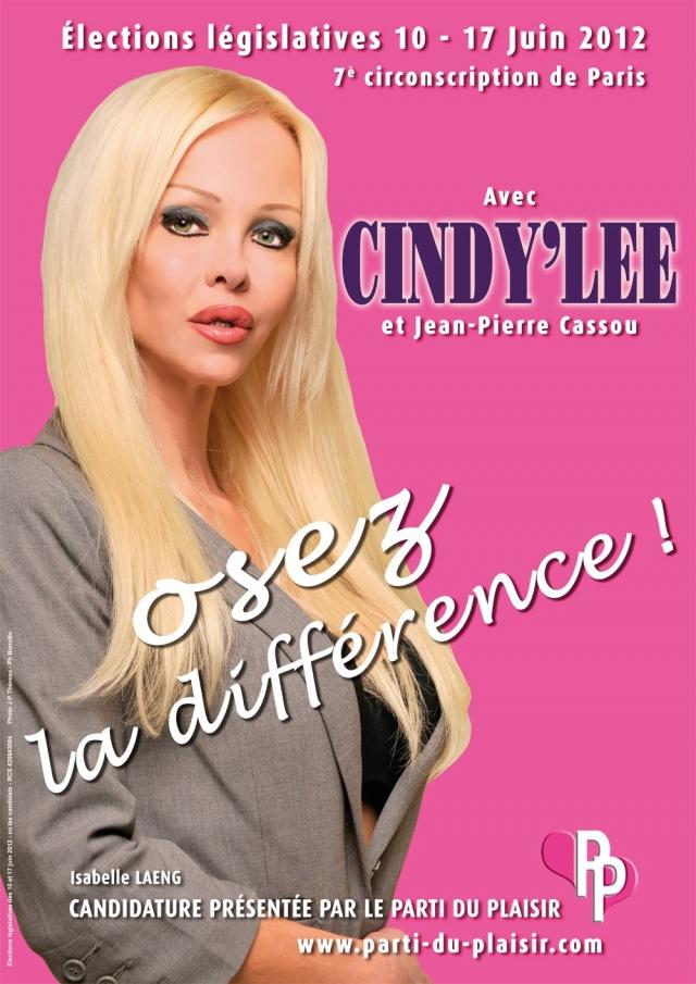 Синди Ли. Девушка дважды участвовала в президентских выборах во Франции в качестве кандидата от «Партии наслаждения»: в 2007 и в 2012 году.