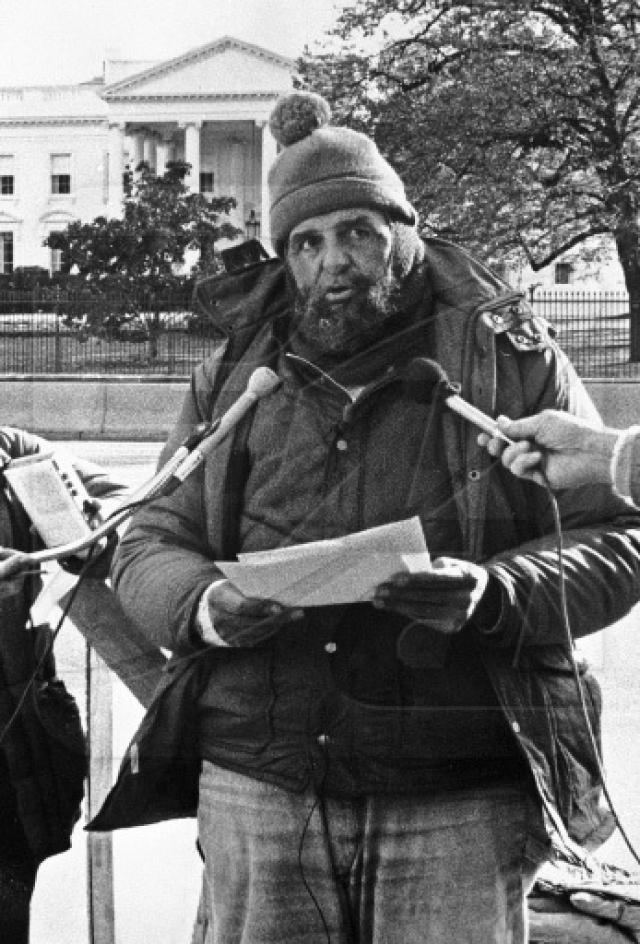 """В Советском Союзе Хайдера регулярно показывали в программе """"Время"""", в его честь была отчеканена памятная медаль, Михаил Горбачев написал ему письмо, а когда голодовка закончилась, группа """"Ноль"""" сочинила сатирическую песню """"Доктор Хайдер снова начал есть!""""."""