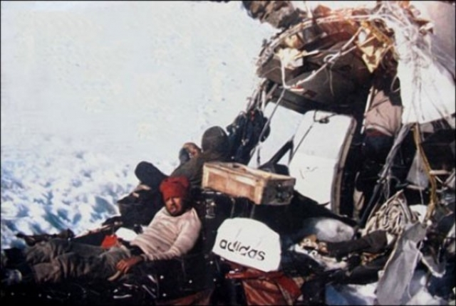 В поход вызвались Нандо Паррадо, Роберто Канесса, Нума Туркатти и Антонио Визинтин, однако Туркатти умер от заражения крови незадолго до экспедиции.
